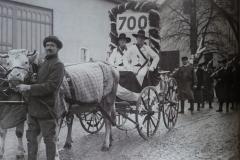 Siebenhundertjahrfeier - Bis zum Jahr 1939 wurde das Brunnenspringen parallel zu Prinz Karneval aufgeführt.