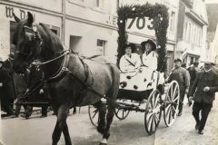 Anno-dazumal-_Irmgard-Reichle_1938.Ernst-Dangel-mit-R.-Handschuh-als-Brunnenspringer