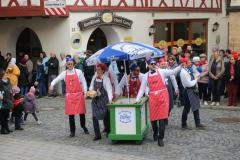 Glompiger Mittags Umzug - Eisverkäufer