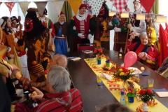 Glompiger-Besuch-Altersheim