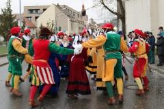 Trommgesellenpaare -Trommgesellenpaare beim Tanzen im Umzug
